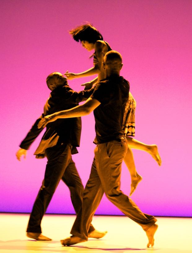 "a production of Compagnie Linga at ""l'octogone"", théatre de Pully idée et chorégraphie: Katarzyna Gdaniec / Marco Cantalupo"